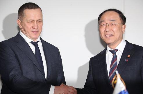 홍남기 부총리, 러시아 부총리 면담 9브릿지 계획 서명