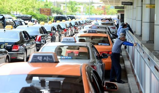 人口老龄化阴影扩散 韩国高龄司机车祸事故频发