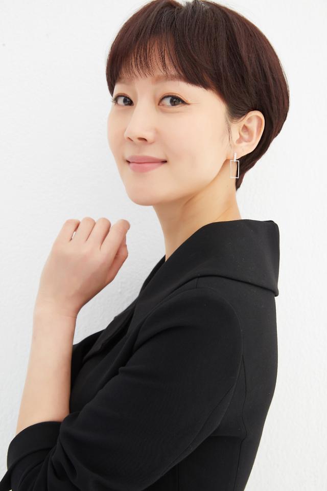 """[인터뷰] SKY 캐슬 염정아 """"워킹맘과 여배우…밸런스 놓치지 않으려 노력 중"""""""