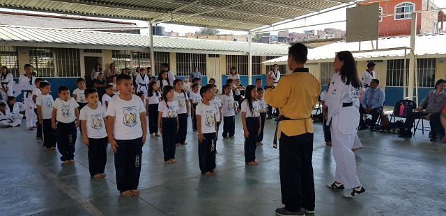 洪都拉斯一公立小学将跆拳道列为正规课程