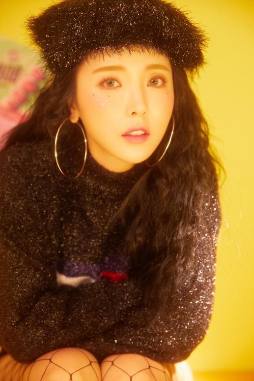 歌手洪真英3月发布首张正规专辑