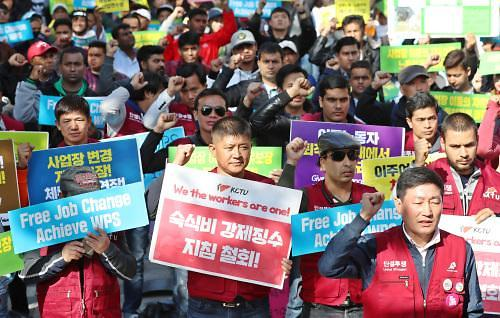 韩国农村劳动力紧缺 外籍非法劳工成农活主力引担忧