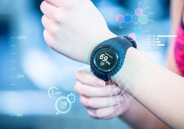 [아주 쉬운 뉴스 Q&A] 규제 샌드박스 '손목시계형 심전도 장치' 왜 논란인가요?
