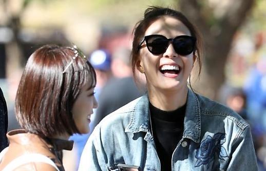 [포토] 배지현, 남편 류현진 보고 함박웃음