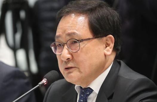 """유영민 과기정통부 장관 """"5G 시대 킬러콘텐츠 확보해야...규제 개선할 것"""""""