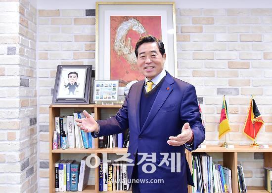"""윤화섭 안산시장 """"반월·시화 산단 스마트화하는데 총력 다하겠다"""""""