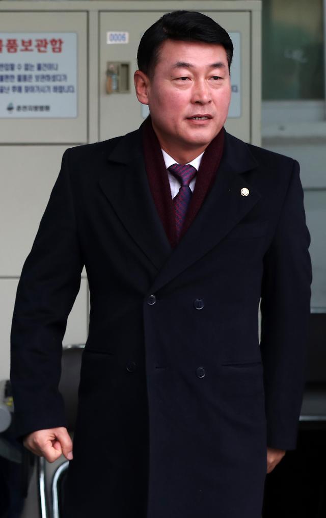 정치자금법 위반 황영철 의원, 2심 집행유예 의원직 상실형