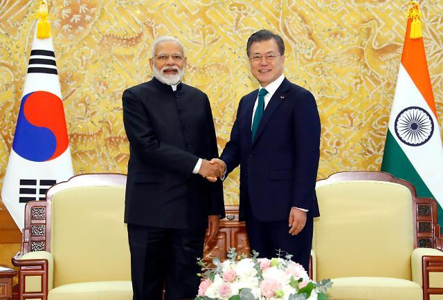 文在寅同印度总统举行首脑会谈