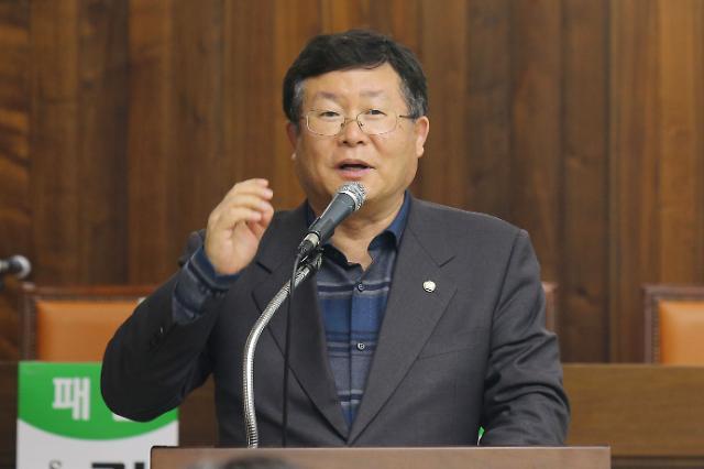 """설훈 """"20대 지지율 하락, 前정부 탓"""" 발언에 야당 맹공"""