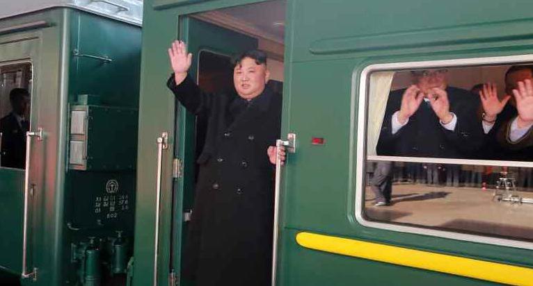 金, 하노이까지 열차로 60시간 대장정