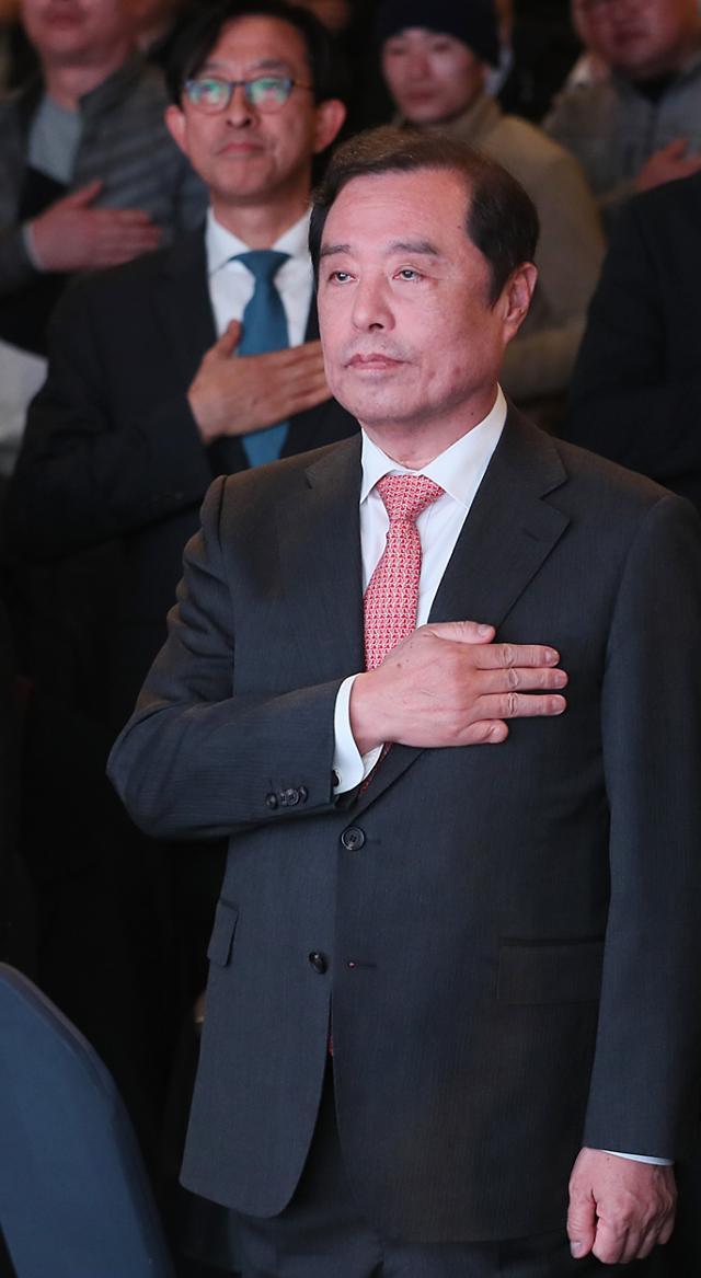 탈국가주의부터 우경화 논란까지…'마운드' 내려가는 '구원투수' 김병준
