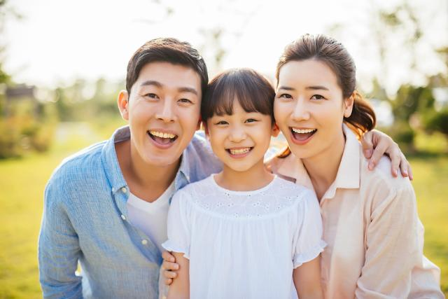 1인 가구 비중 핵가족 넘어섰다…남성 육아휴직급여 신규 수급 증가