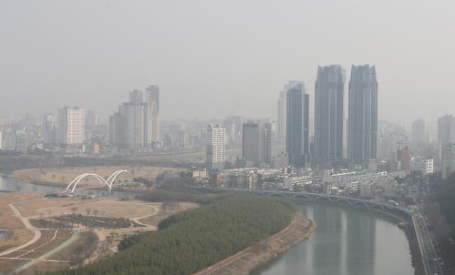 """韩国连日遭遇十面""""霾""""伏 多地启动应急减排措施"""
