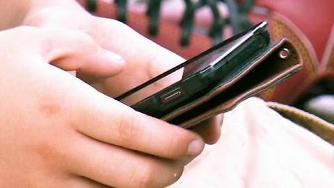 上学不让用手机? 韩中学生状告校方侵犯人权