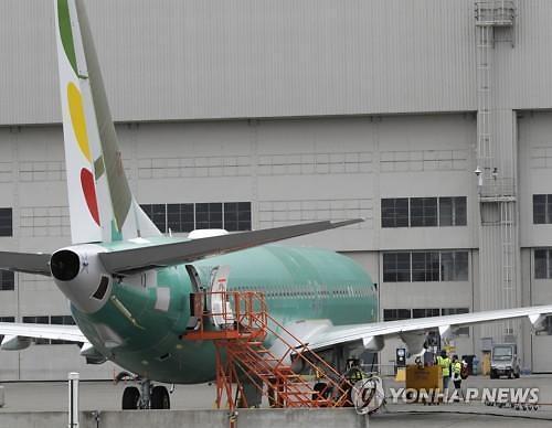 """""""보잉 737 맥스, 안전하고 유용해"""" 美항공당국 입장 논란"""