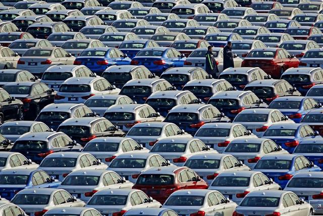 """""""증치세 인하에…"""" 중국 자동차가격 내리는 BMW, 벤츠등"""