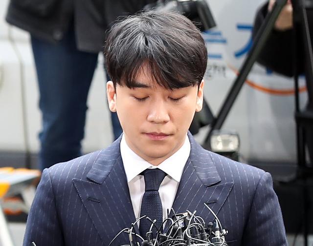 """군인권센터 """"병무청, 승리 입영연기 허용해야… 군대는 도피처 아냐"""""""