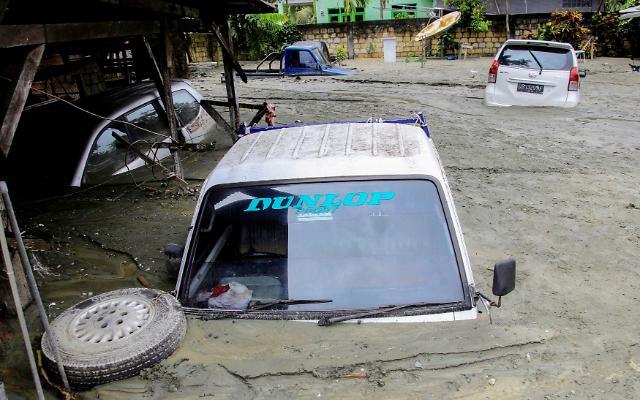 [광화문갤러리] 인도네시아 파푸아서 홍수·산사태로 최소 68명 사망