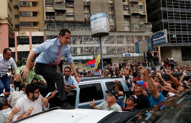 베네수엘라 마두로 정권 위기 심화…장성 망명에 군경 대거 탈영