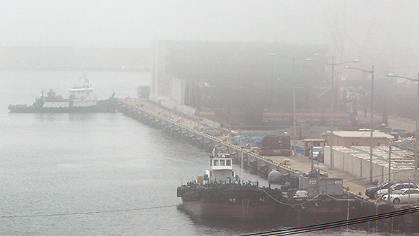 韩政府计划2022年前港口雾霾减半