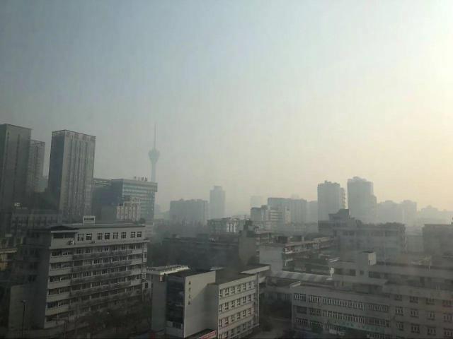 中 양회 폐막 후 스모그에 갇힌 베이징...환경목표 달성 무색