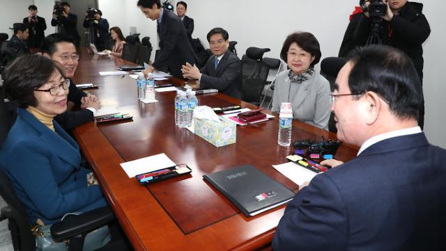 국회 윤리특위 한국당 추천위원 3인 사퇴...5·18 망언 징계 난항