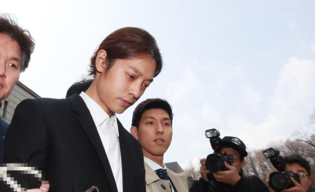 성관계 몰카 정준영 구속···승리 게이트 사태 첫 구치소행