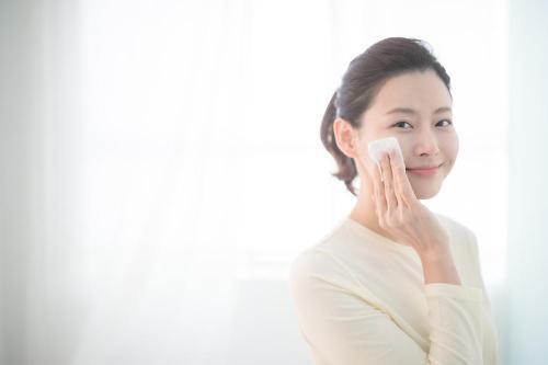 화장솜의 변천사… 피부 타입별 기능 패드 사용법