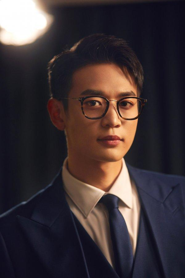 SHINee member Minho to release first solo song before enlistment