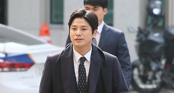 경찰, 김상교 폭행 추가 가담자 수사…정준영 구속 후 첫 조사