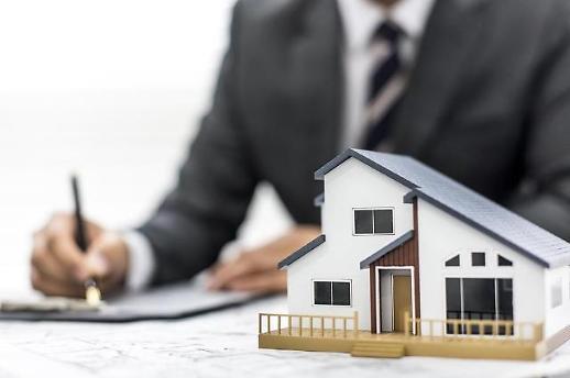 [안선영의 아주-머니] 집값 떨어지는데···주택연금 가입, 언제가 좋을까