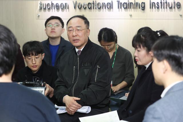미세먼지·일자리에 정조준된 추경...경기부양까지 일석이조(?)