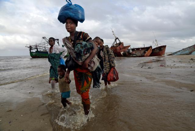 [광화문갤러리] 사이클론 이다이 모잠비크 강타 ...사망자 420여명