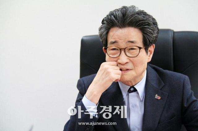 [WHO] 이목희 노동운동가 출신 정책통…文정부 일자리정책 기획