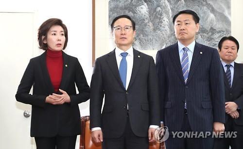 민주-한국, 좁혀지지 않는 선거제·사법 개혁