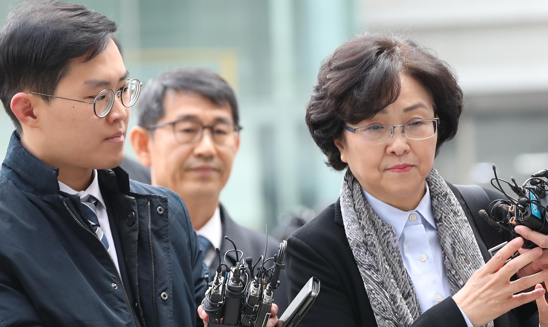 [환경부 블랙리스트] 김은경<br/> 靑 지시여부에 …