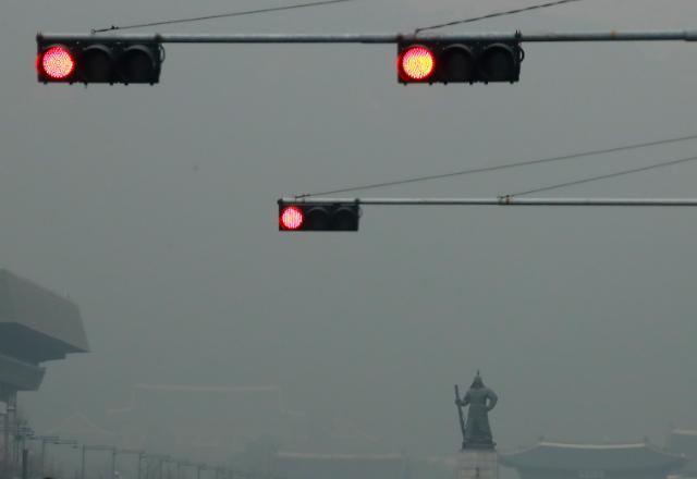 中 기자의 이상한 질문… 한국 미세먼지가 보일러 탓?