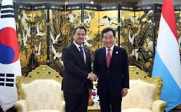 .韩总理卢森堡首相在海南博鳌会晤.