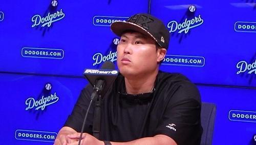 """류현진 개막전 활약에 LA 다저스 팬들 """"오늘 게임 완전 미친 듯"""" """"너무 흥분"""""""