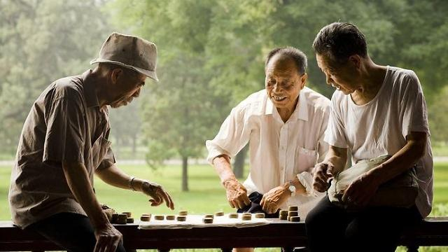 """""""未富先老""""?老龄化社会带来的新机遇与新挑战"""
