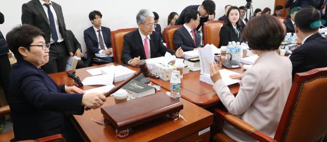 '탄력근로제 기간 확대·최저임금 개편'…3월 국회 처리 '무산'