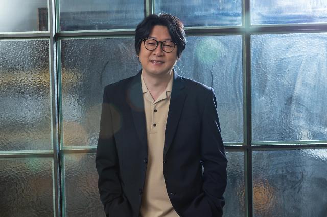 감독 겸 배우 하정우, 미성년 김윤석에게 해준 조언은?(인터뷰)
