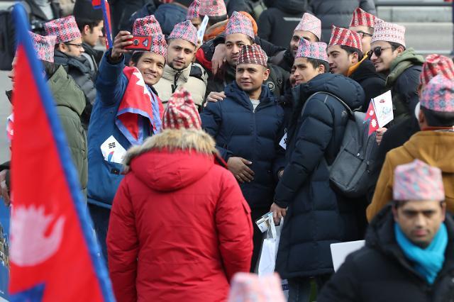 잼라이브 6일 힌트, '국기가 네모가 아닌 나라'...네팔 국기가 삼각형 왜?