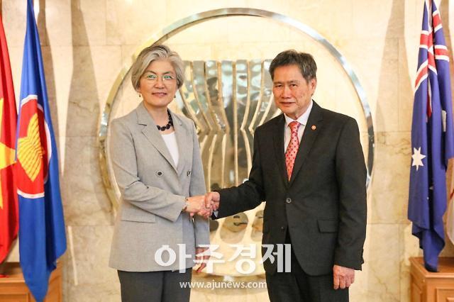 """강경화-아세안 사무총장 면담…""""신남방정책 협조 당부"""""""