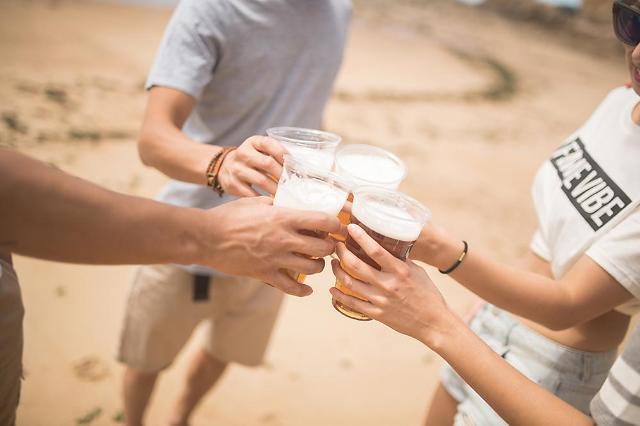 [임애신 기자의 30초 경제학] 취하지 않는 무알콜맥주 판매가 늘고 있다