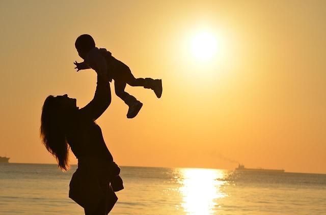 韩国近八成单身父母拿不到抚养费