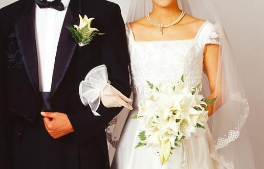 调查:韩国仅逾一成未婚男女认为必办婚礼