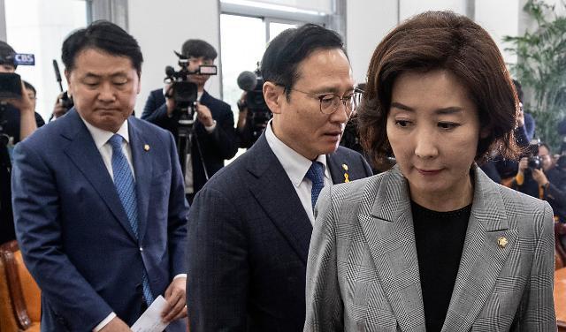 """野, '이미선 낙마' 막판 총공세…與·靑 """"정치 공세 멈춰라"""""""