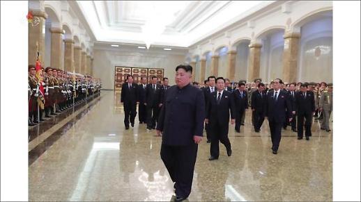 김정은, 공군부대 불시 방문해 전투비행 지도…집권 2기 후 첫 시찰