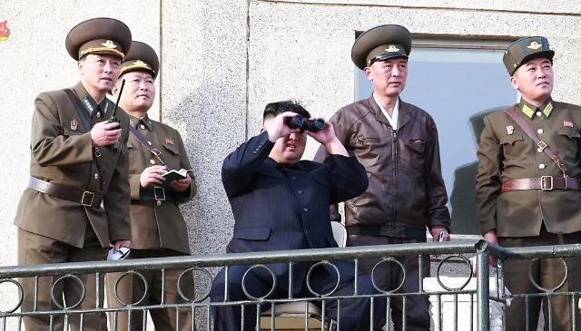 金正恩指导新型战术制导武器射击试验